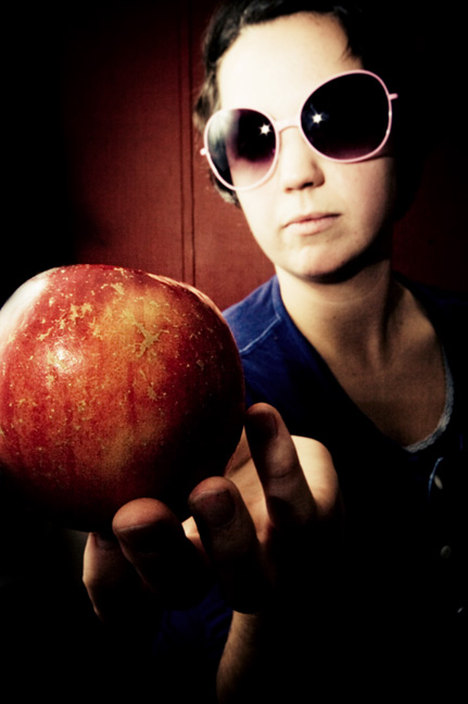 sarah and her apple